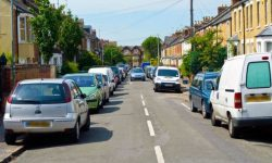 UK Drivers could get fined for parking on the Kerb