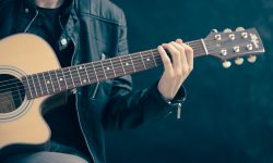 Easy Guitar Riffs for Beginner Players to Practice with